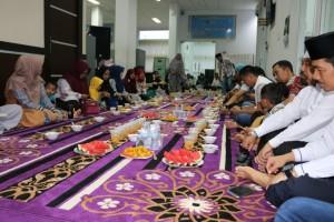 Buka bersama keluarga dispusip pkanbaru