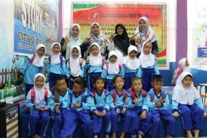 TK Islam Terpadu Al Mahira foto bersama