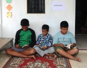 ruang baca pustaka komunitas