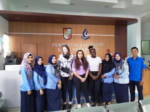 Mahasiswa University of Westminster dari Inggris Kunjungi Perpustakaan Umum Pekanbaru 3