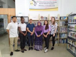 Mahasiswa University of Westminster dari Inggris Kunjungi Perpustakaan Umum Pekanbaru 2