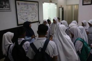 SMK Muhammadiyah 3 Pekanbaru melakukan kunjungan praktek