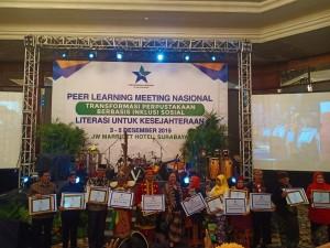 menerima Penghargaan Kabupaten Terbaik 1 tingkat Nasional