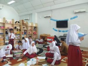 Budayakan Minat Baca, Puluhan Siswa SDN 88 Study Tour ke Dispusip 2